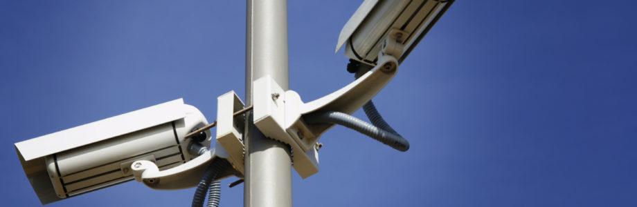 ¿Debo instalar cámaras de seguridad en mi comunidad?